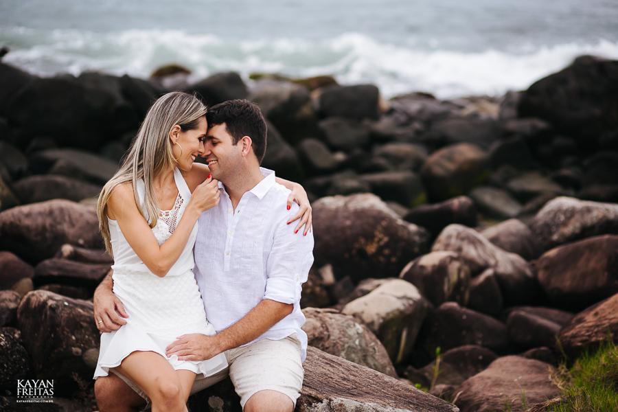 fabiana-rafael-precasamento-0024 Sessão pré casamento Fabiana e Rafael - Garopaba / SC