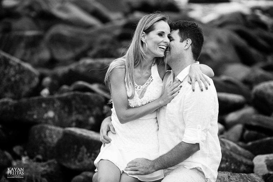 fabiana-rafael-precasamento-0025 Sessão pré casamento Fabiana e Rafael - Garopaba / SC