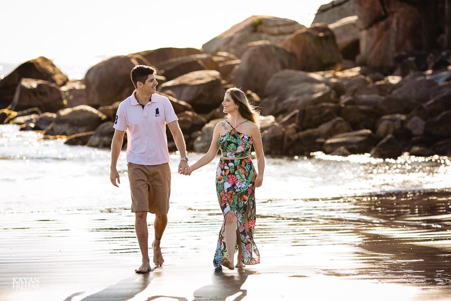 fotos-casamento-garopaba-0001 Sessão pré Casamento na Praia - Anelyse e Diego