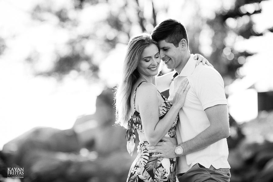 fotos-casamento-garopaba-0004 Sessão pré Casamento na Praia - Anelyse e Diego