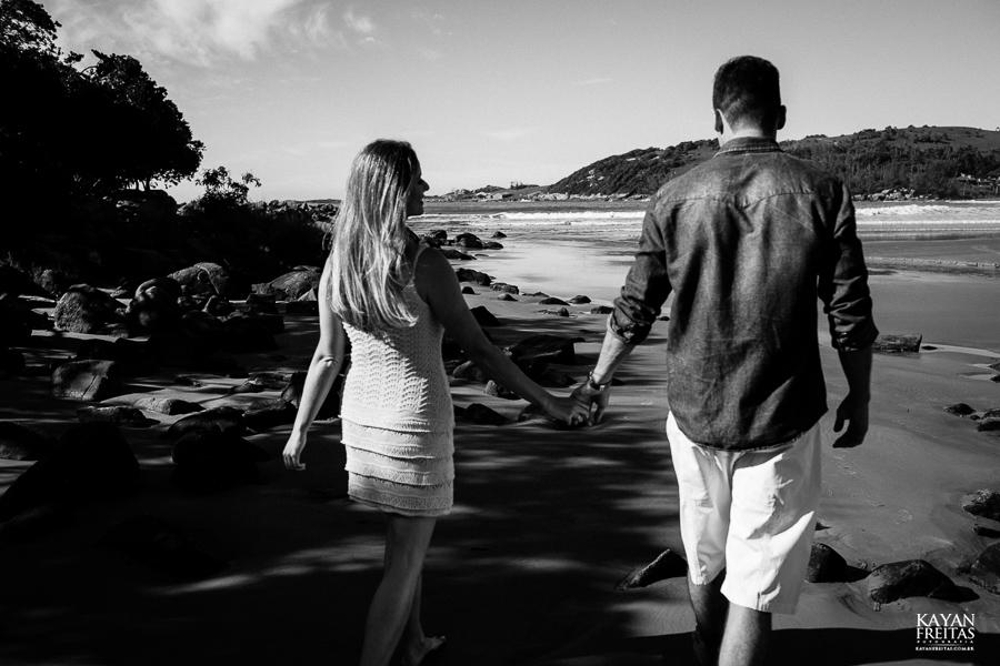 fotos-casamento-garopaba-0020 Sessão pré Casamento na Praia - Anelyse e Diego