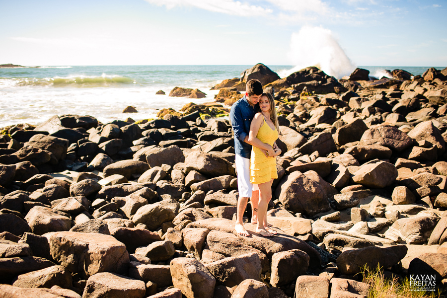 fotos-casamento-garopaba-0023 Sessão pré Casamento na Praia - Anelyse e Diego