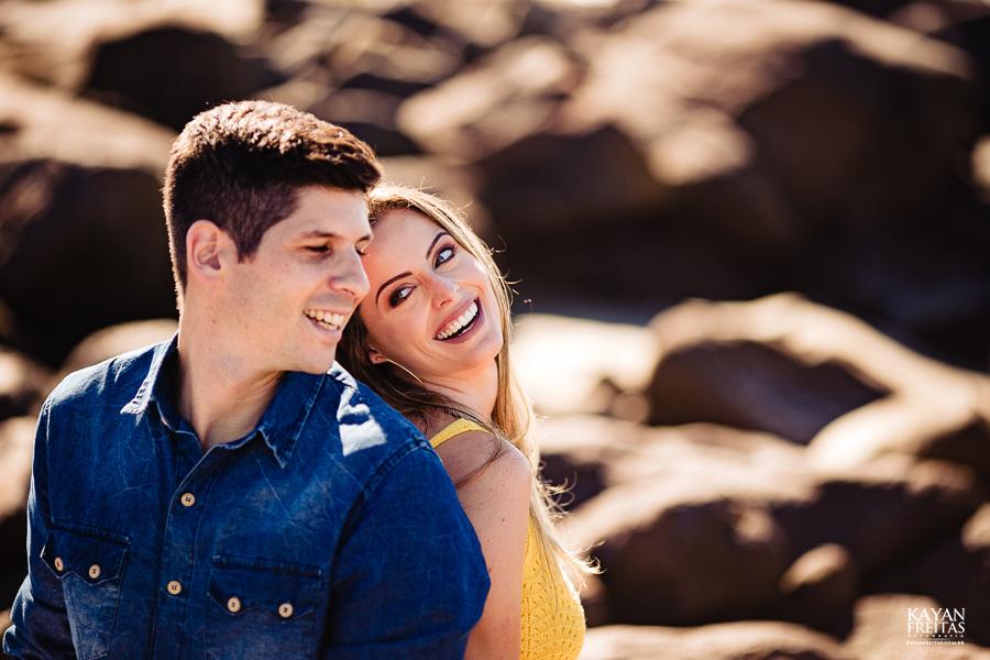 fotos-casamento-garopaba-0025 Sessão pré Casamento na Praia - Anelyse e Diego