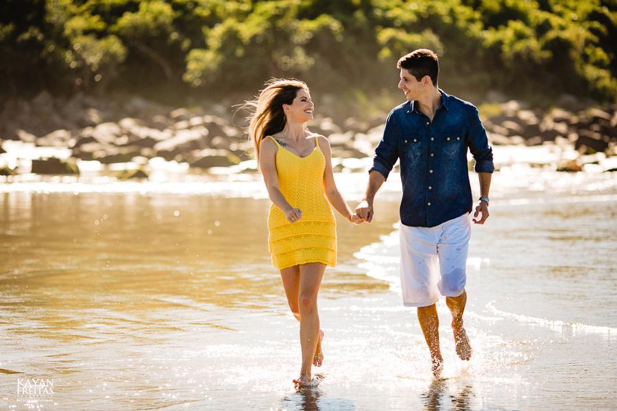 fotos-casamento-garopaba-0028 Sessão pré Casamento na Praia - Anelyse e Diego