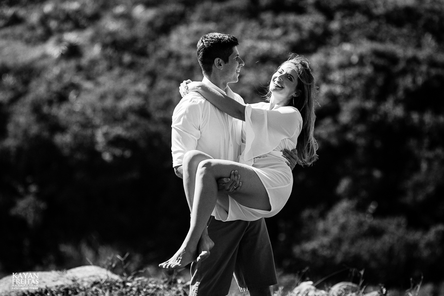 fotos-casamento-garopaba-0031 Sessão pré Casamento na Praia - Anelyse e Diego