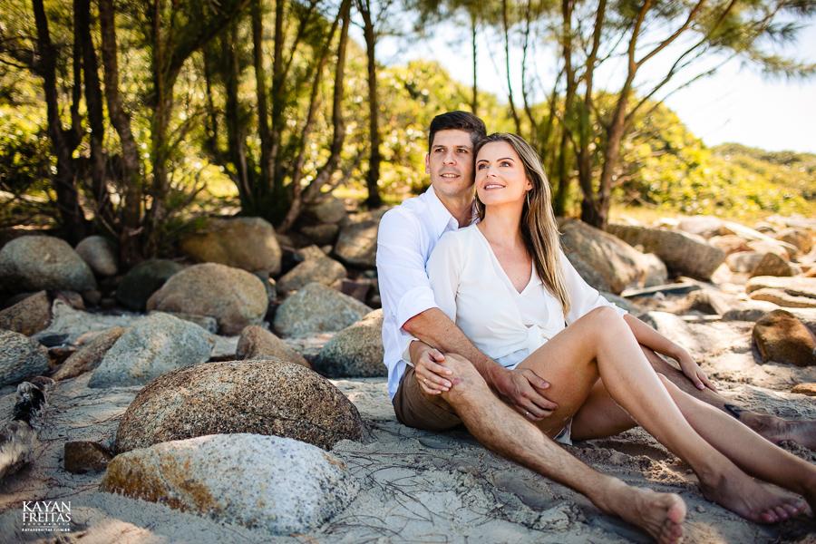 fotos-casamento-garopaba-0034 Sessão pré Casamento na Praia - Anelyse e Diego