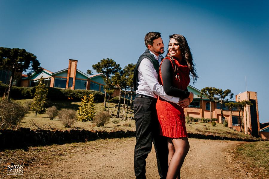 casal-serra-precasamento-0017 Sessão pré casamento na Serra Catarinense - Cris e Mickael