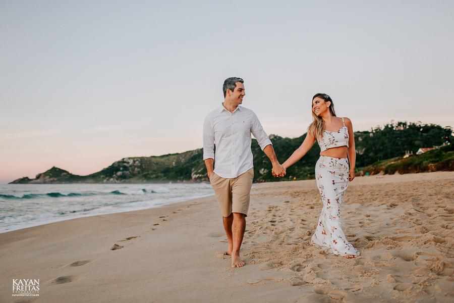 fotos-de-sessao-casal-florianopolis-0011 Sessão pré casamento em Floripa - Thaiany e Marcelo