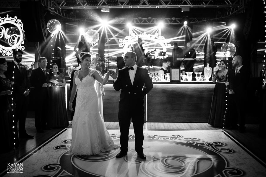 casamento-floripa-grande-loja-0118 Casamento Maria Eduarda e Thiago - Grande Loja Florianópolis