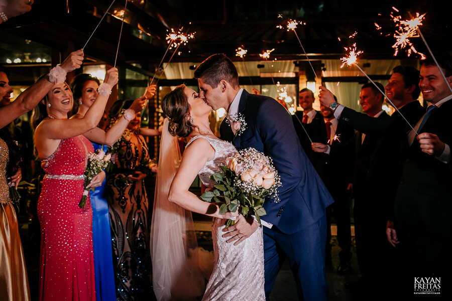 fotos-casamento-pier54-anelyse-diego-floripa-0081 Casamento no Pier 54 - Anelyse e Diego - Florianópolis