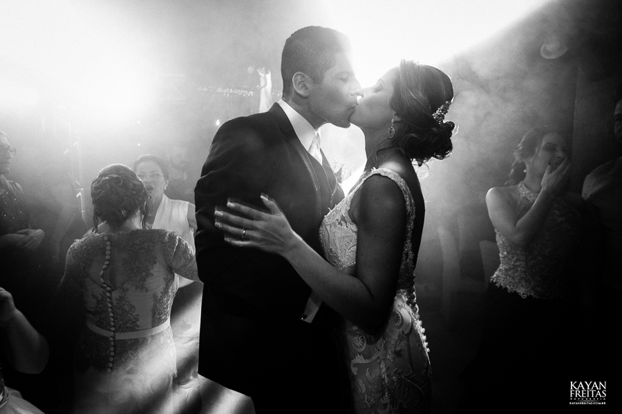 fotos-casamento-pier54-anelyse-diego-floripa-0096 Casamento no Pier 54 - Anelyse e Diego - Florianópolis