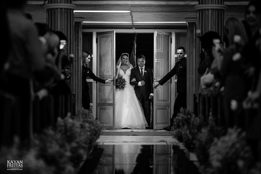 luiza-jean-casamento-0042 Casamento Luiza e Jean - Lira Tênis Clube Florianópolis