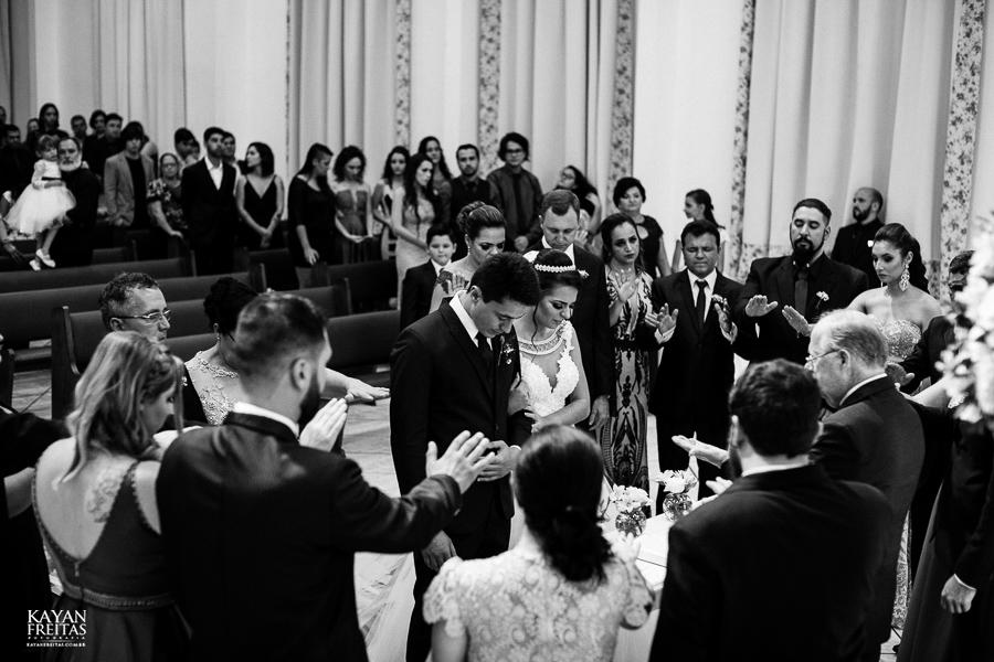luiza-jean-casamento-0072 Casamento Luiza e Jean - Lira Tênis Clube Florianópolis