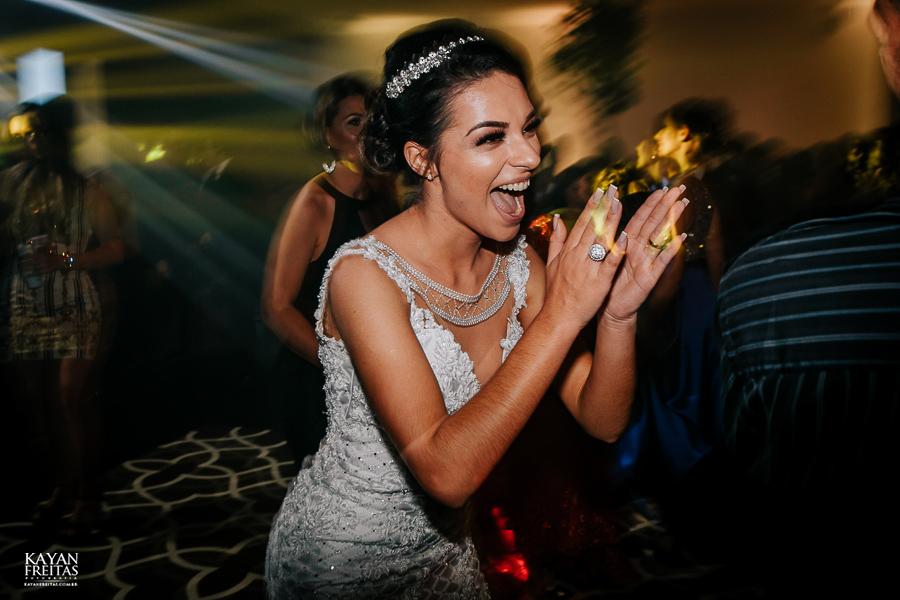 luiza-jean-casamento-0118 Casamento Luiza e Jean - Lira Tênis Clube Florianópolis