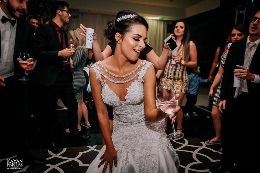 luiza-jean-casamento-0120 Casamento Luiza e Jean - Lira Tênis Clube Florianópolis