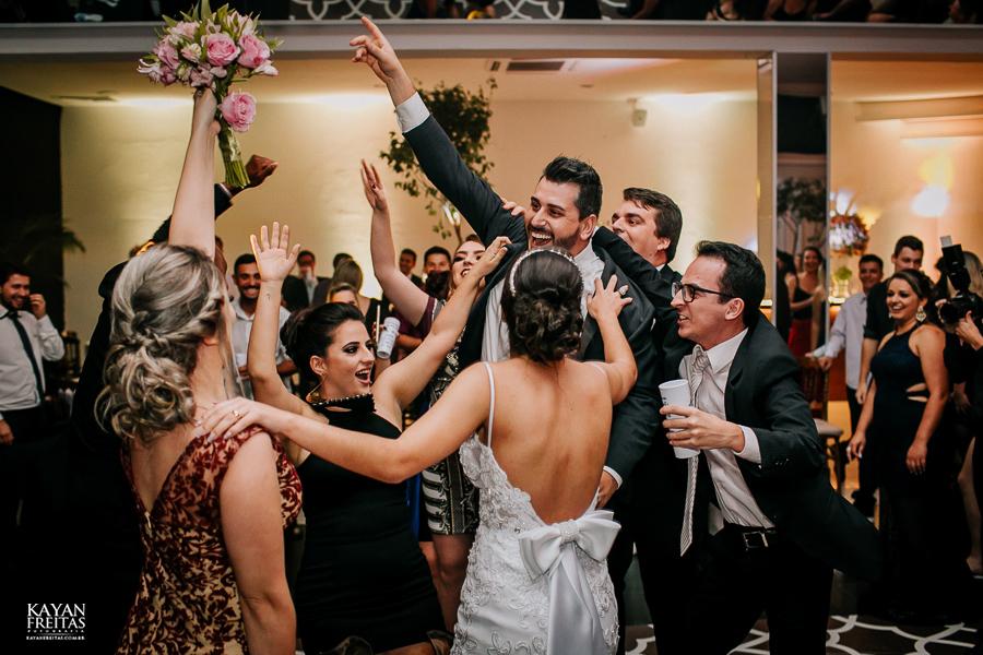 luiza-jean-casamento-0128 Casamento Luiza e Jean - Lira Tênis Clube Florianópolis