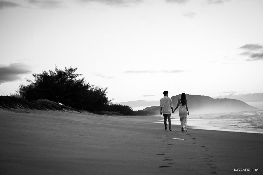 esession-floripa-praia-0007 Sessão pré casamento Izabelle e Douglas - Florianópolis