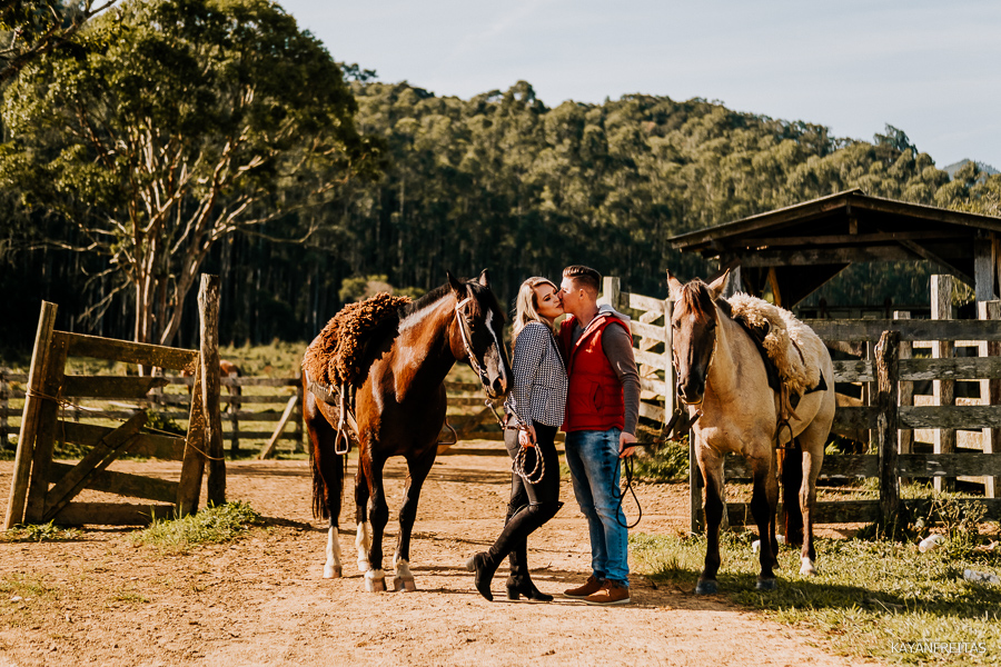 pre-casamento-fazenda-floripa-0015 Sessão pré casamento Tainara e Marcos - Tijucas / SC