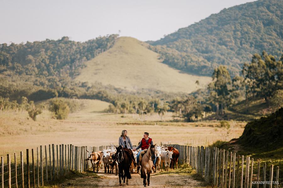 pre-casamento-fazenda-floripa-0017 Sessão pré casamento Tainara e Marcos - Tijucas / SC