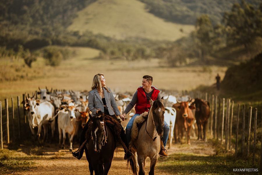 pre-casamento-fazenda-floripa-0018 Sessão pré casamento Tainara e Marcos - Tijucas / SC