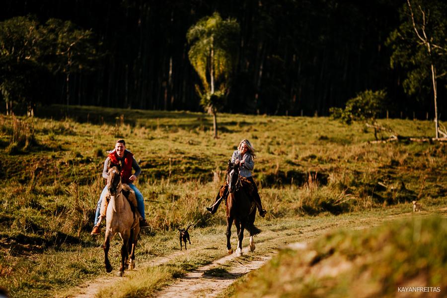 pre-casamento-fazenda-floripa-0019 Sessão pré casamento Tainara e Marcos - Tijucas / SC