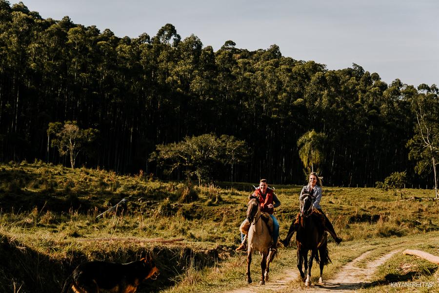 pre-casamento-fazenda-floripa-0021 Sessão pré casamento Tainara e Marcos - Tijucas / SC