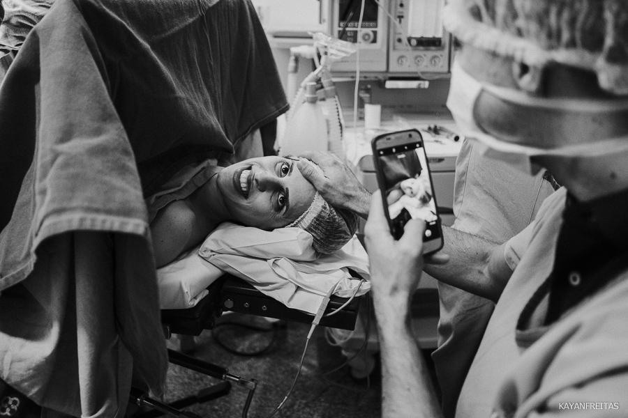 fotografia-de-nascimento-floripa-0017 Nascimento da Mel - Clinica Santa Helena