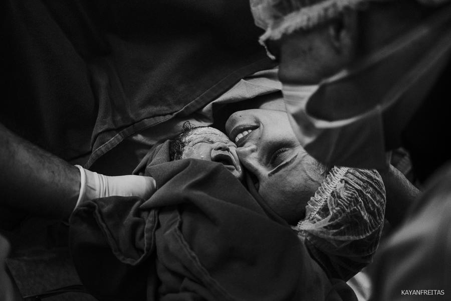 fotografia-de-nascimento-floripa-0024 Nascimento da Mel - Clinica Santa Helena