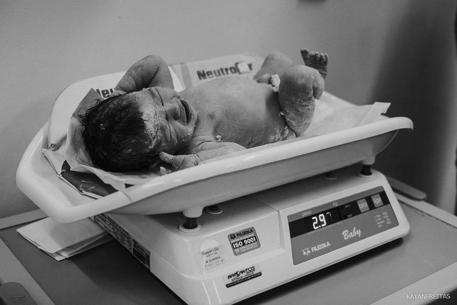 fotografia-de-nascimento-floripa-0029 Nascimento da Mel - Clinica Santa Helena