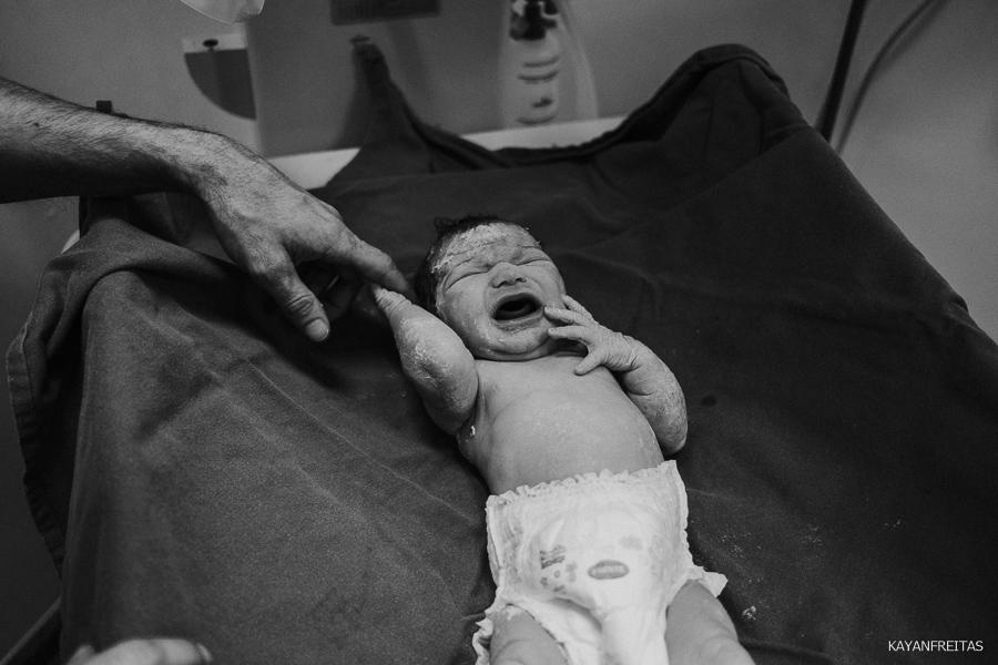 fotografia-de-nascimento-floripa-0032 Nascimento da Mel - Clinica Santa Helena