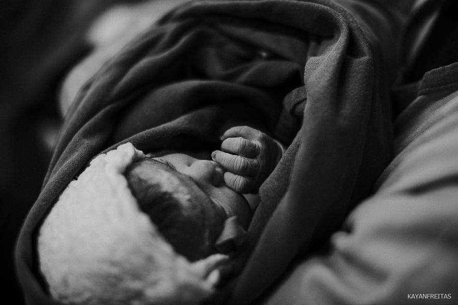 fotografia-de-nascimento-floripa-0036 Nascimento da Mel - Clinica Santa Helena