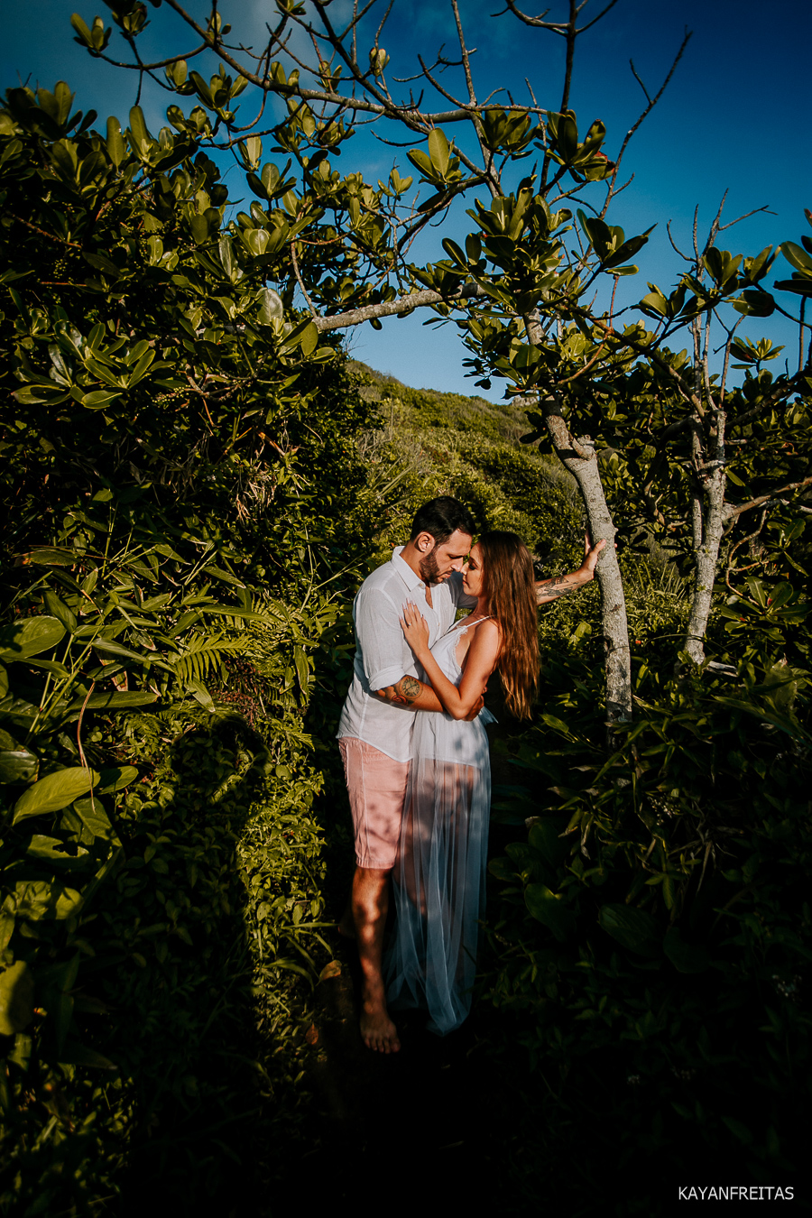 precasamento-gringos-guardadoembau-0025 Sessão Pré Casamento Rafael e Maria Eduarda - Guarda do Embaú
