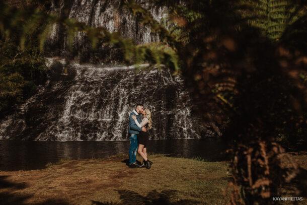 precasamento-serracatarinense-0003-610x407 Sessão pré wedding no Castelo - Bianca e Eduardo